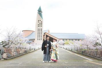 出会った場所で幸せの結婚写真|滋賀県彦根市 滋賀県立大学にて