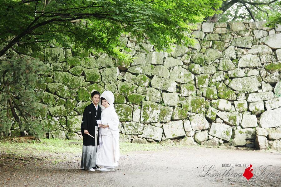 綿帽子姿が美しい和装結婚写真