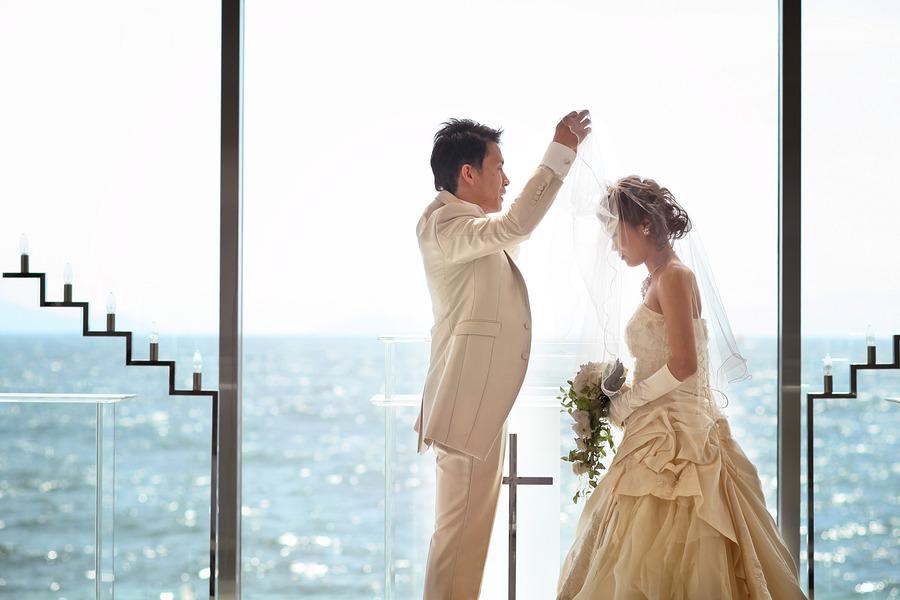 結婚式はしないけどチャペルでウェディングドレスを着たい方必見!!本物のチャペルで写真を撮れるプランもご用意しております!