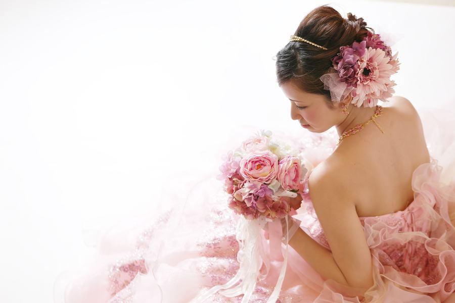 人目を気にせず結婚式の前撮りや結婚記念日に写真を撮ろう