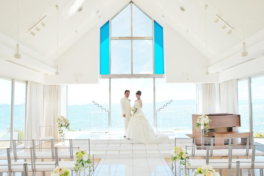 びわ湖が目の前のチャペルでフォトウェディング ご結婚式を挙げられない方におススメのスポットです。ナシ婚・写真だけの結婚式