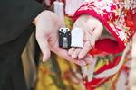 撮影グッズにもウェルカムボードにもなる可愛いフォトアイテムの夫婦守りをご存じですか